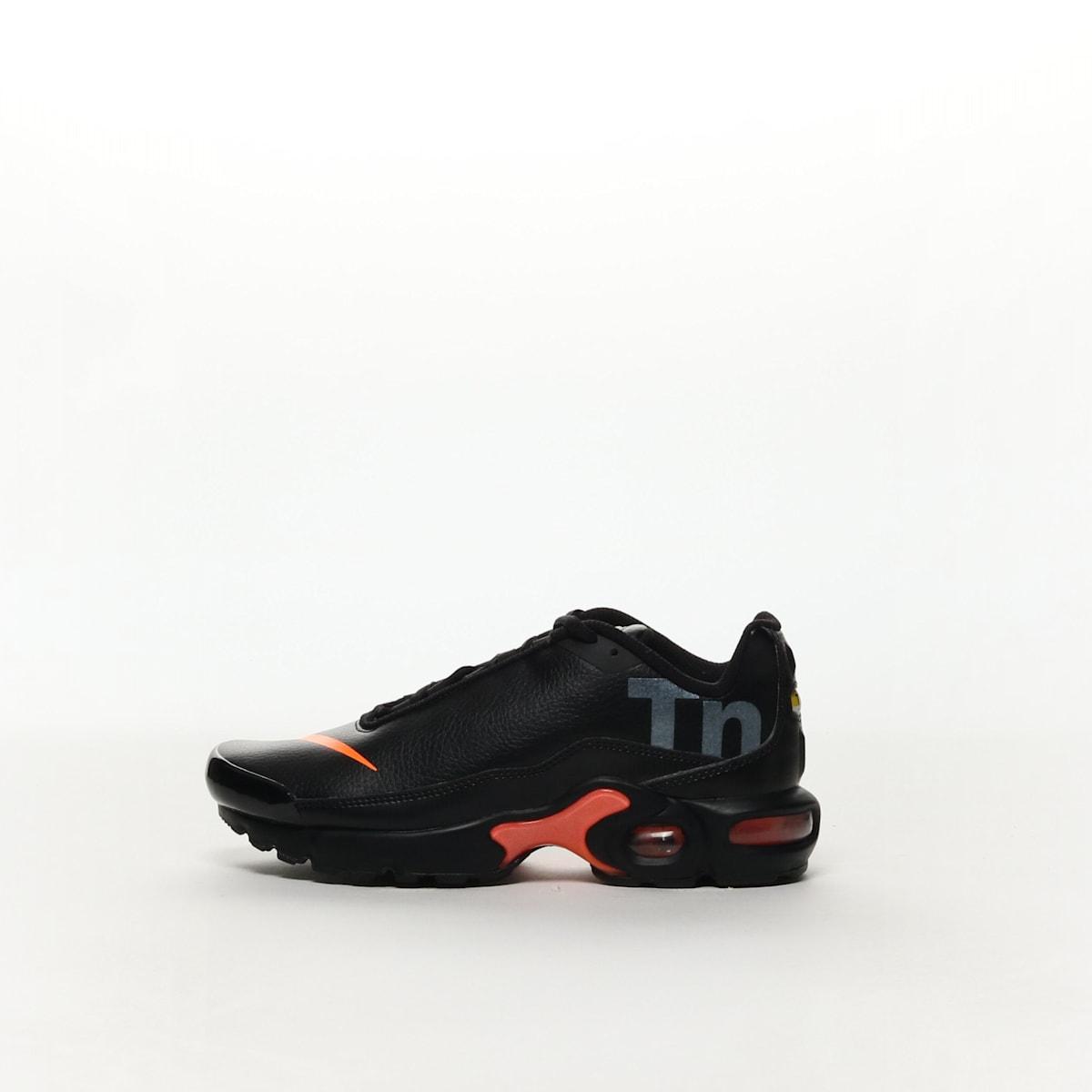 cf97d8980942c Nike Air Max Plus TN SE Big Kids  Running Shoe - BLACK TOTAL ORANGE ...