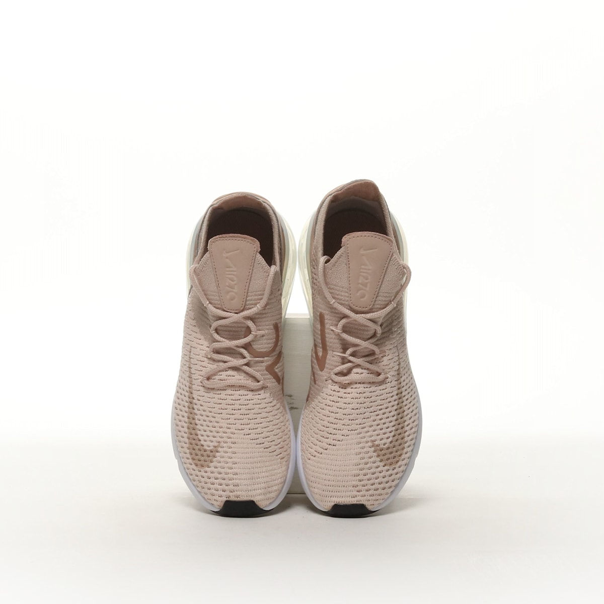 8d00d215ebe80 Nike Air Max 270 Flyknit - GUAVA ICE/DESERT DUST/WHITE/PARTICLE ...