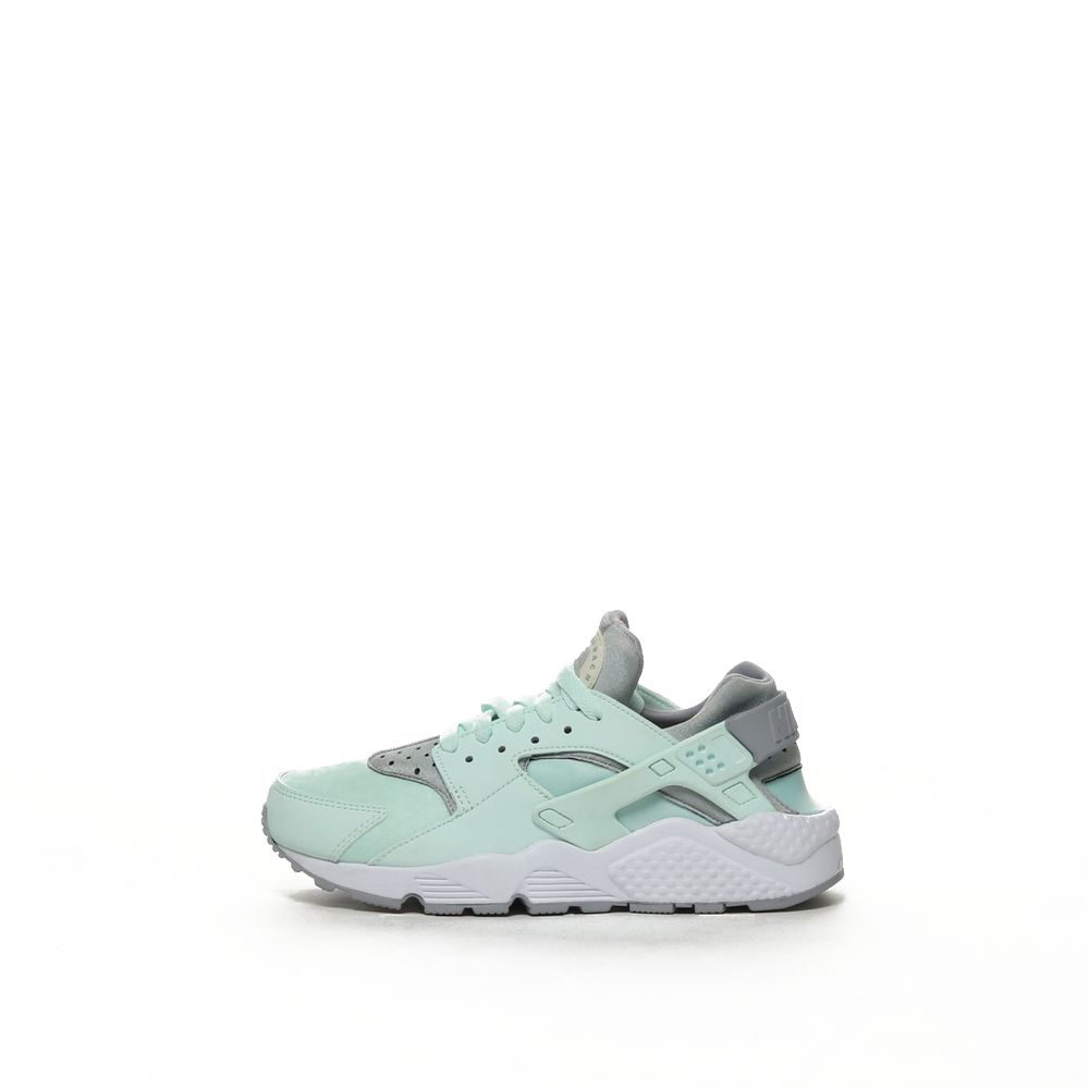 <!-- this list order is intentional -->             Nike air huarache run