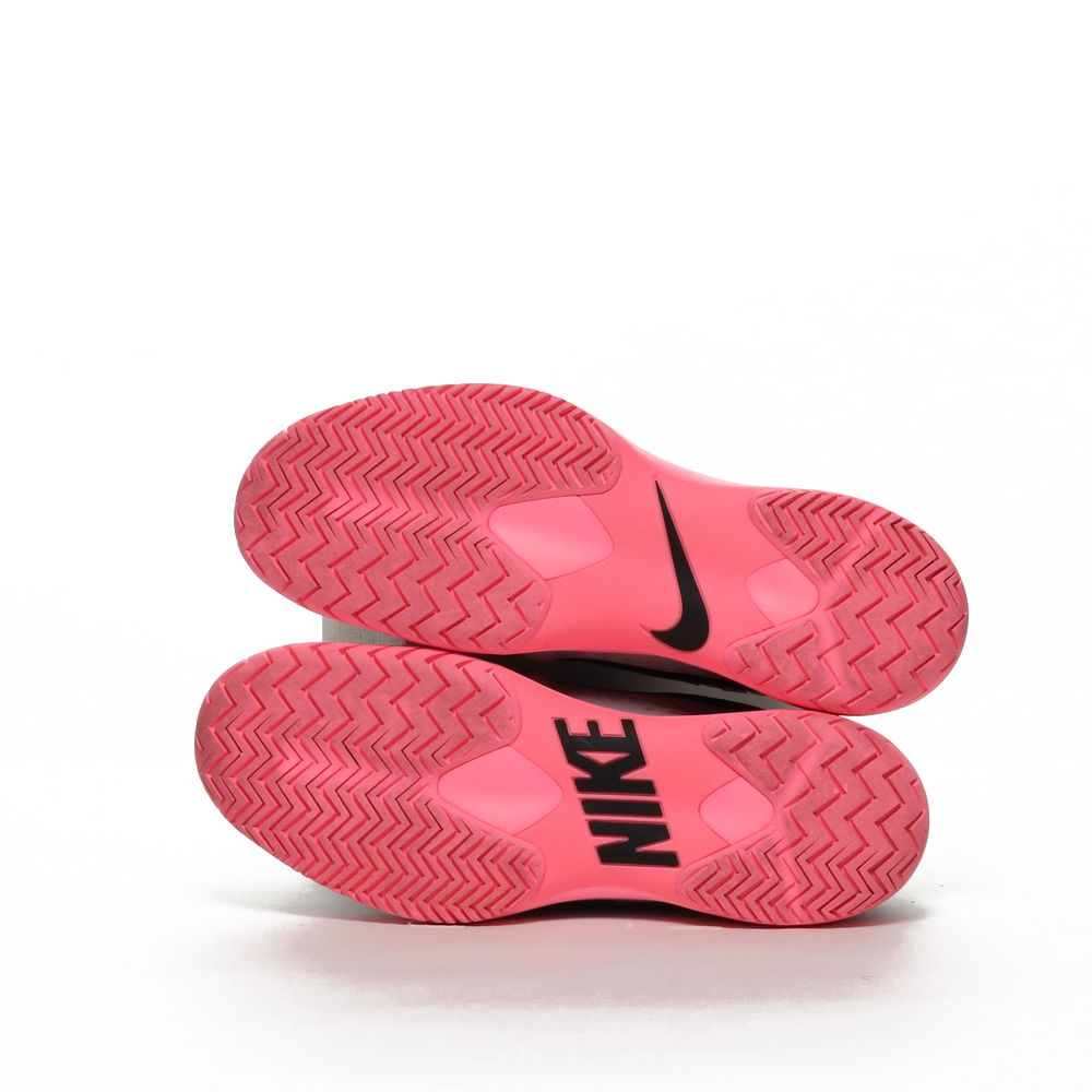 <!-- this list order is intentional -->             Nike air zoom cage 3 hc