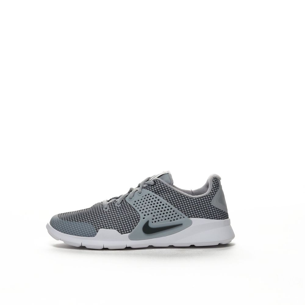 <!-- this list order is intentional -->             Nike arrowz se