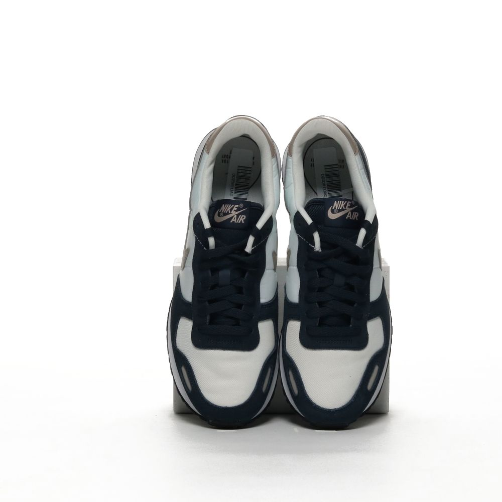 <!-- this list order is intentional -->             Nike air vrtx