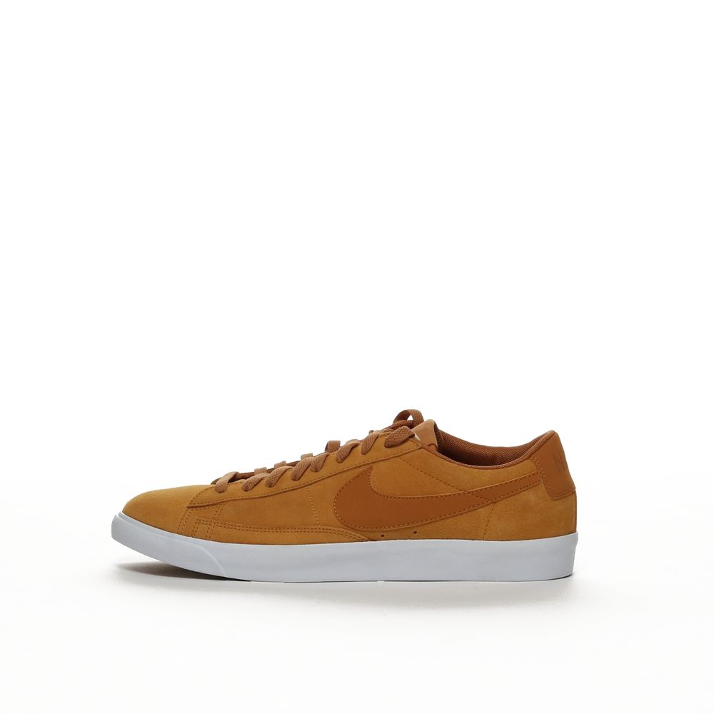 <!-- this list order is intentional -->             Blazer low suede