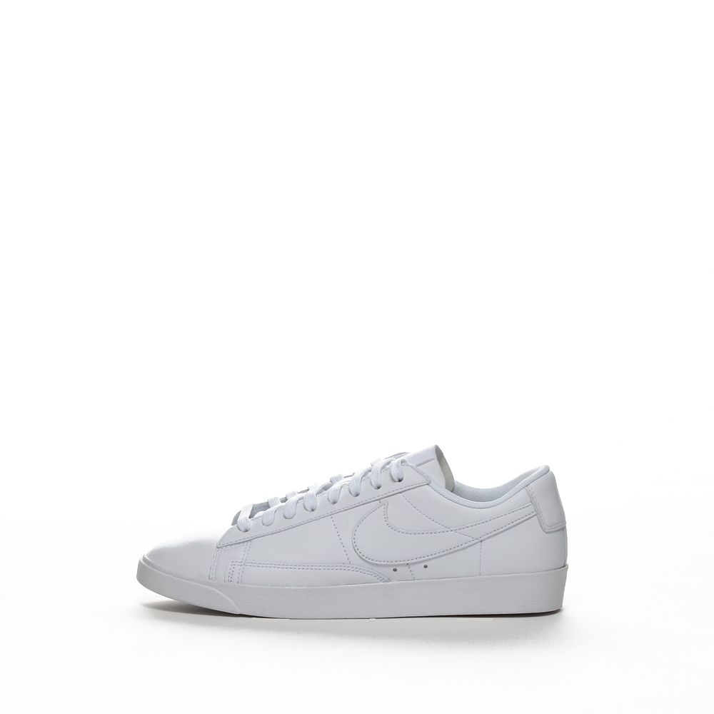 <!-- this list order is intentional -->             W blazer low le