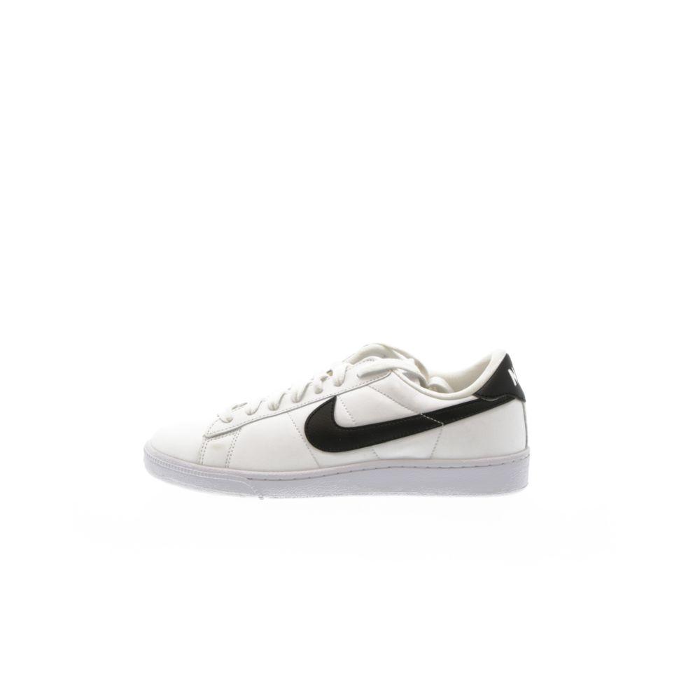 Women's Nike Tennis Classic Shoe WHITEBLACK