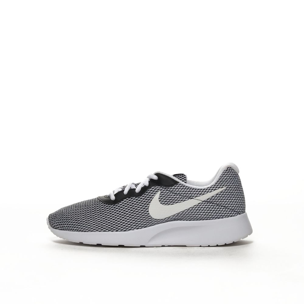 <!-- this list order is intentional -->             Nike tanjun se