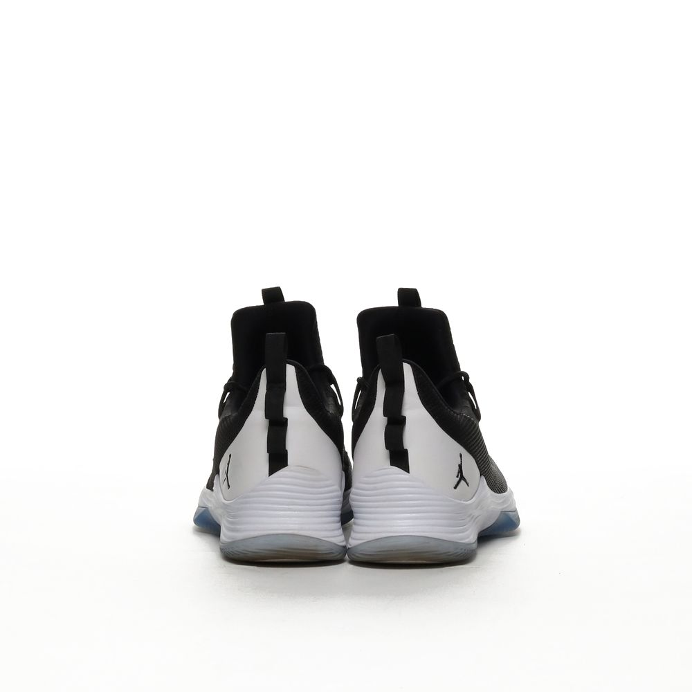 <!-- this list order is intentional -->             Jordan ultra fly 2 low