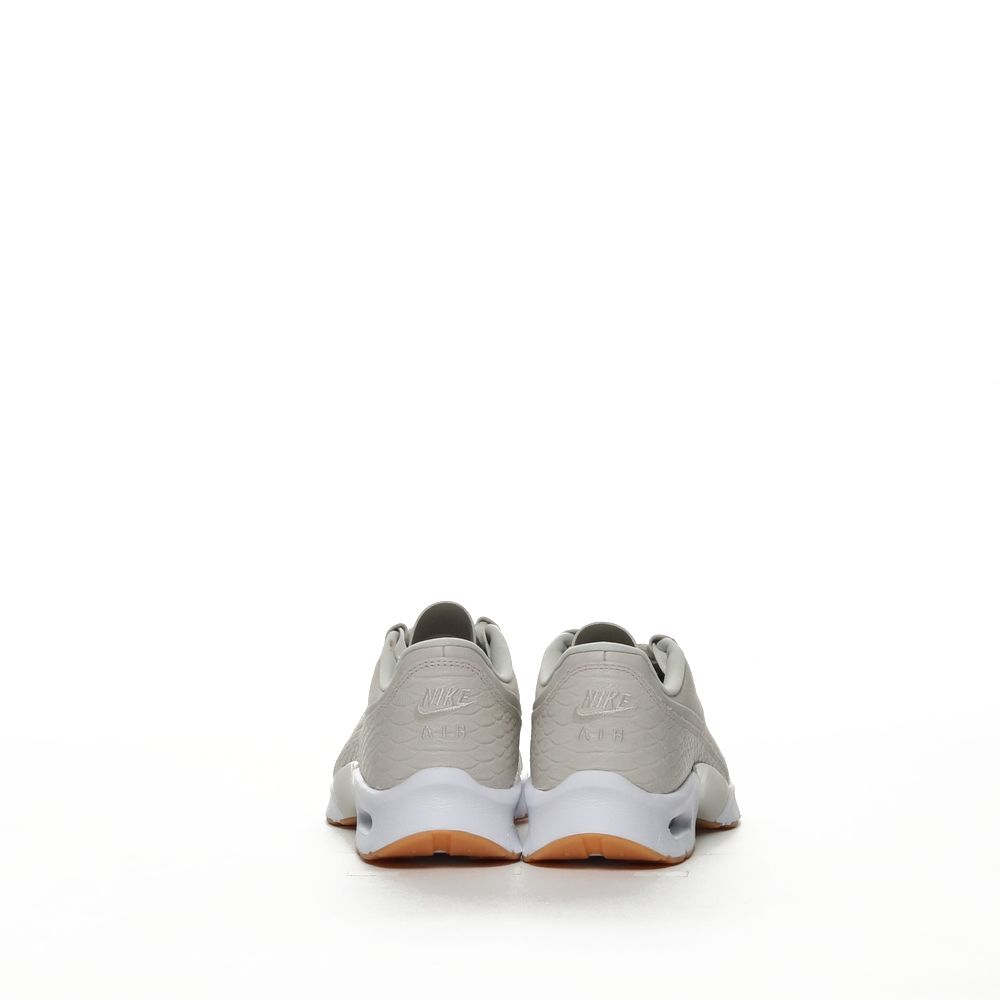 <!-- this list order is intentional -->             W nike air max jewell se