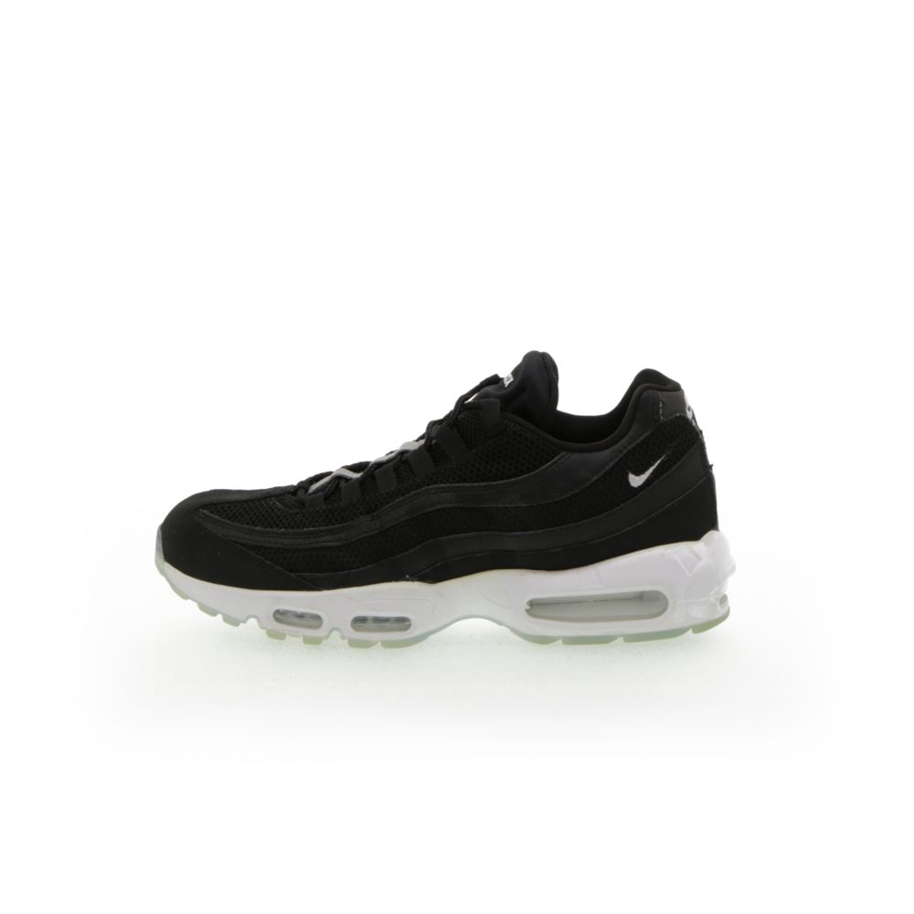 <!-- this list order is intentional -->             Nike air max 95 essential