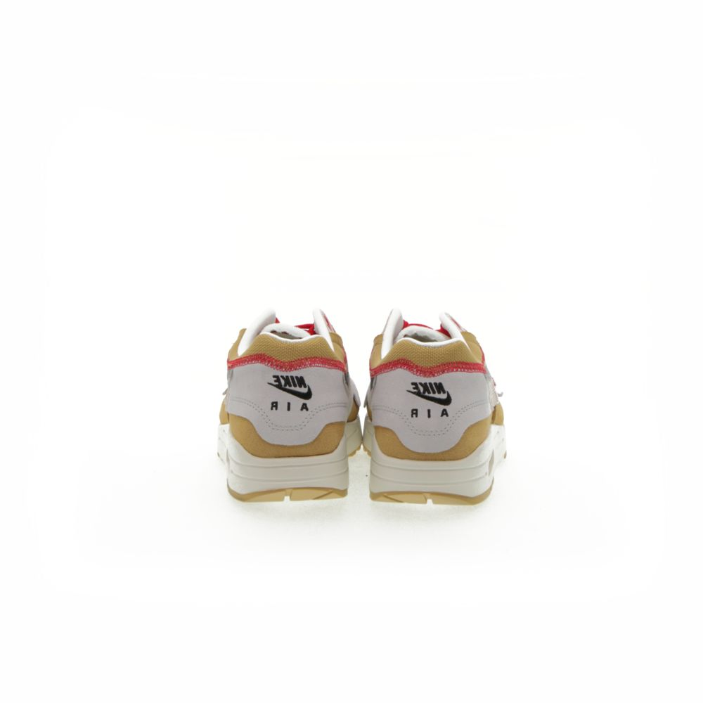 <!-- this list order is intentional -->             Nike air max 1 premium se