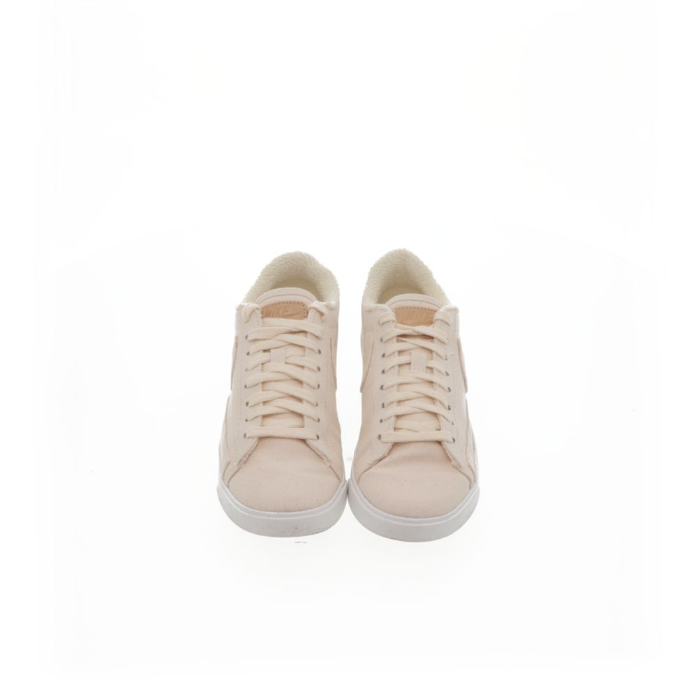 <!-- this list order is intentional -->             Nike blazer low lx