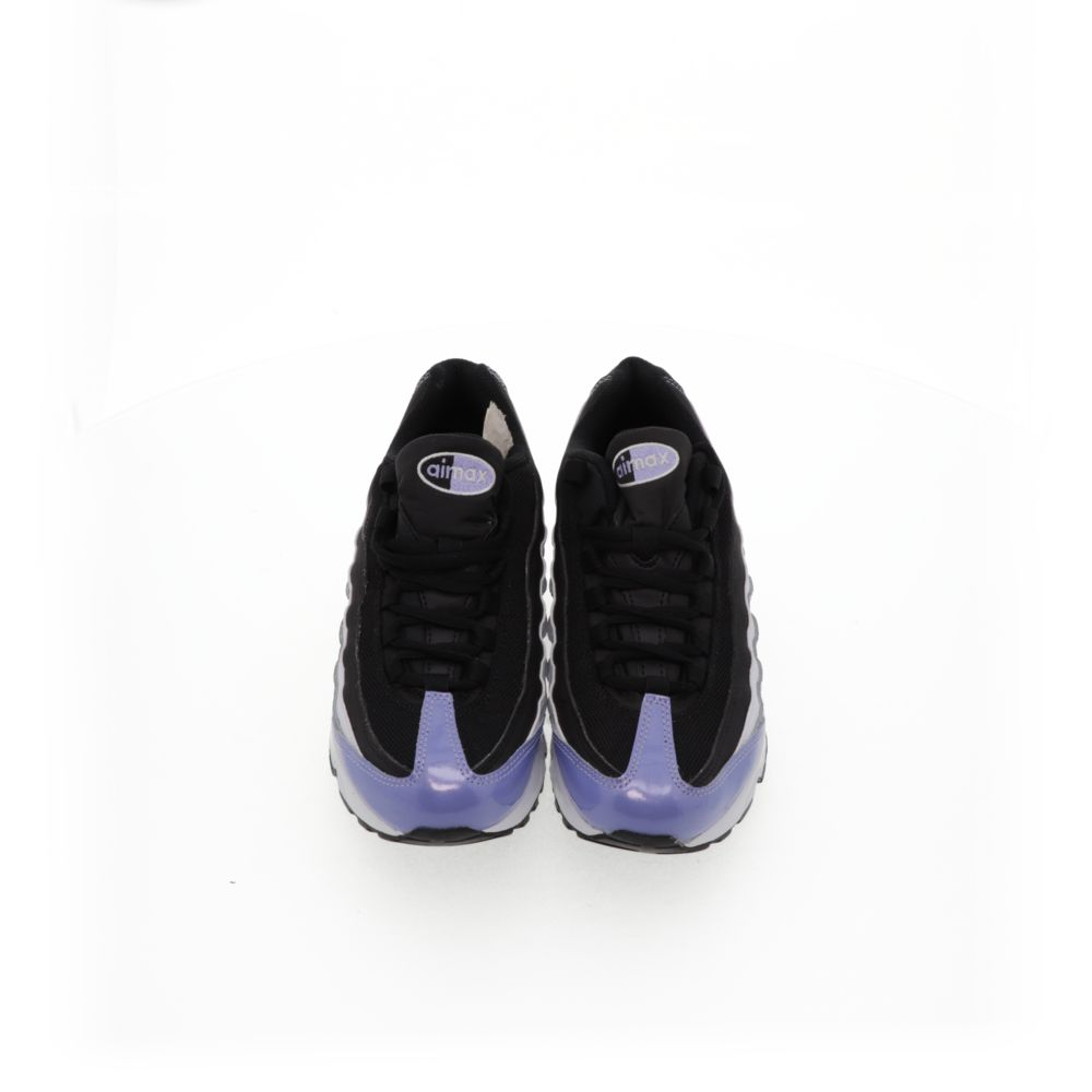 <!-- this list order is intentional -->             Nike air max '95 le