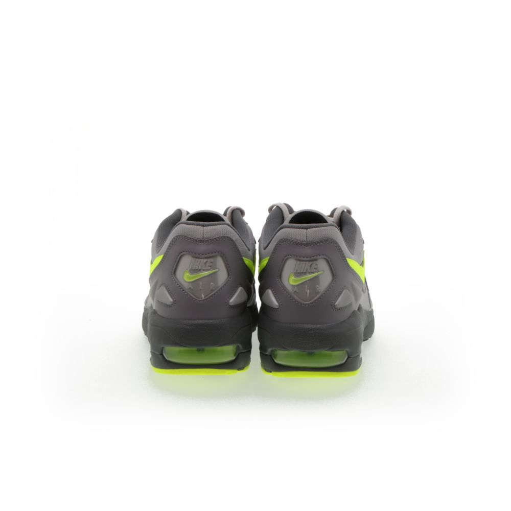<!-- this list order is intentional -->             Nike air max2 light