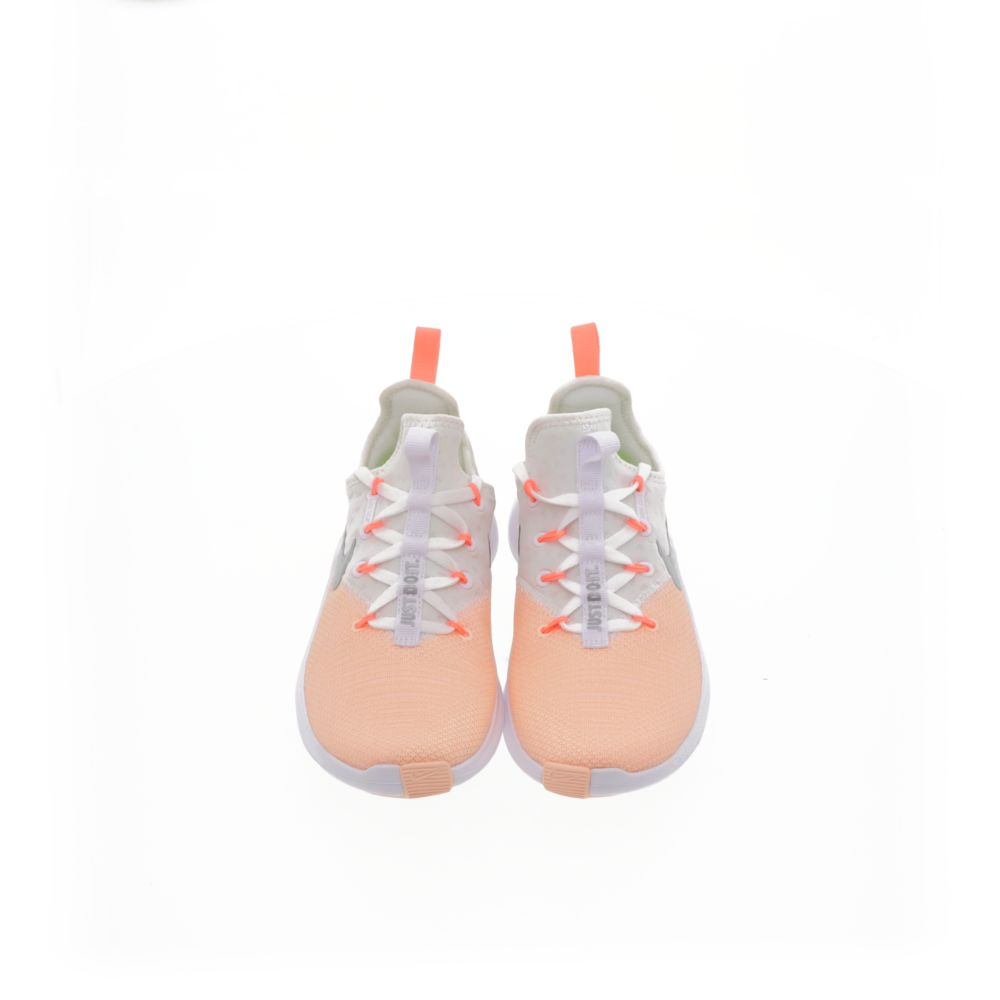 <!-- this list order is intentional -->             Nike free tr8