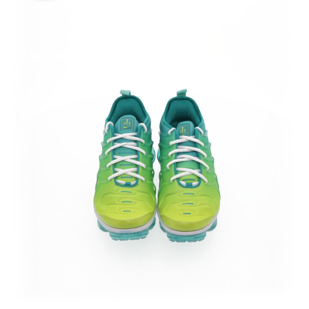 <!-- this list order is intentional -->             Nike air vapormax plus