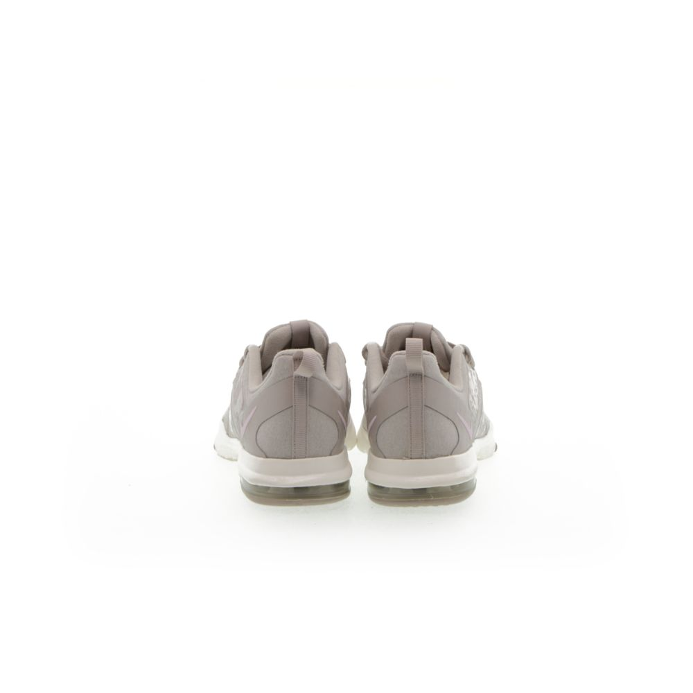 <!-- this list order is intentional -->             Nike air bella tr