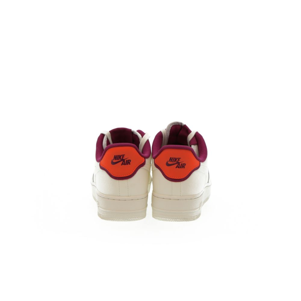 <!-- this list order is intentional -->             Nike air force 1 '07 se